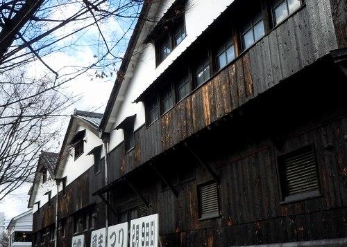 ランチは、日本酒の発祥の地、雰囲気満点の醸造所で_b0102572_17285678.jpg