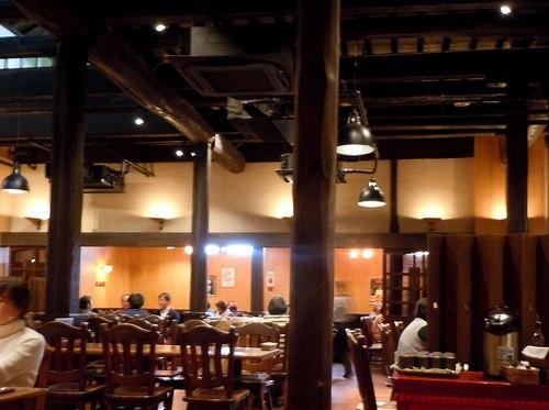 ランチは、日本酒の発祥の地、雰囲気満点の醸造所で_b0102572_17302056.jpg