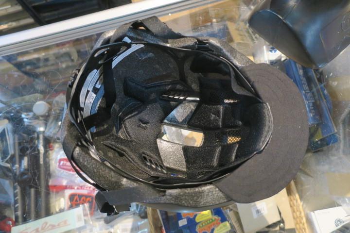 BELL DAILY ヘルメット入荷!_c0132901_20275122.jpg