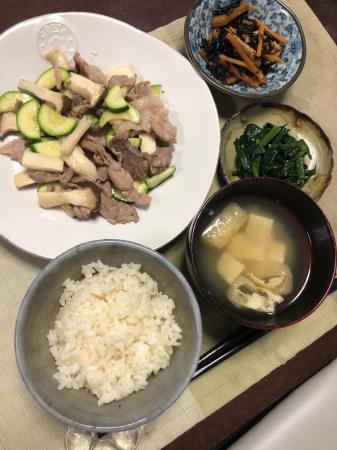 豚肉とズッキーニの炒め物_d0235108_20234463.jpg