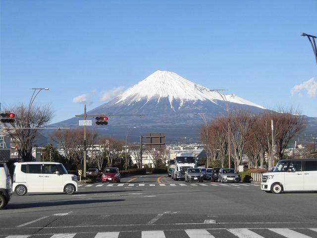 前日に続き晴天・雪化粧の富士山_f0141310_07463722.jpg