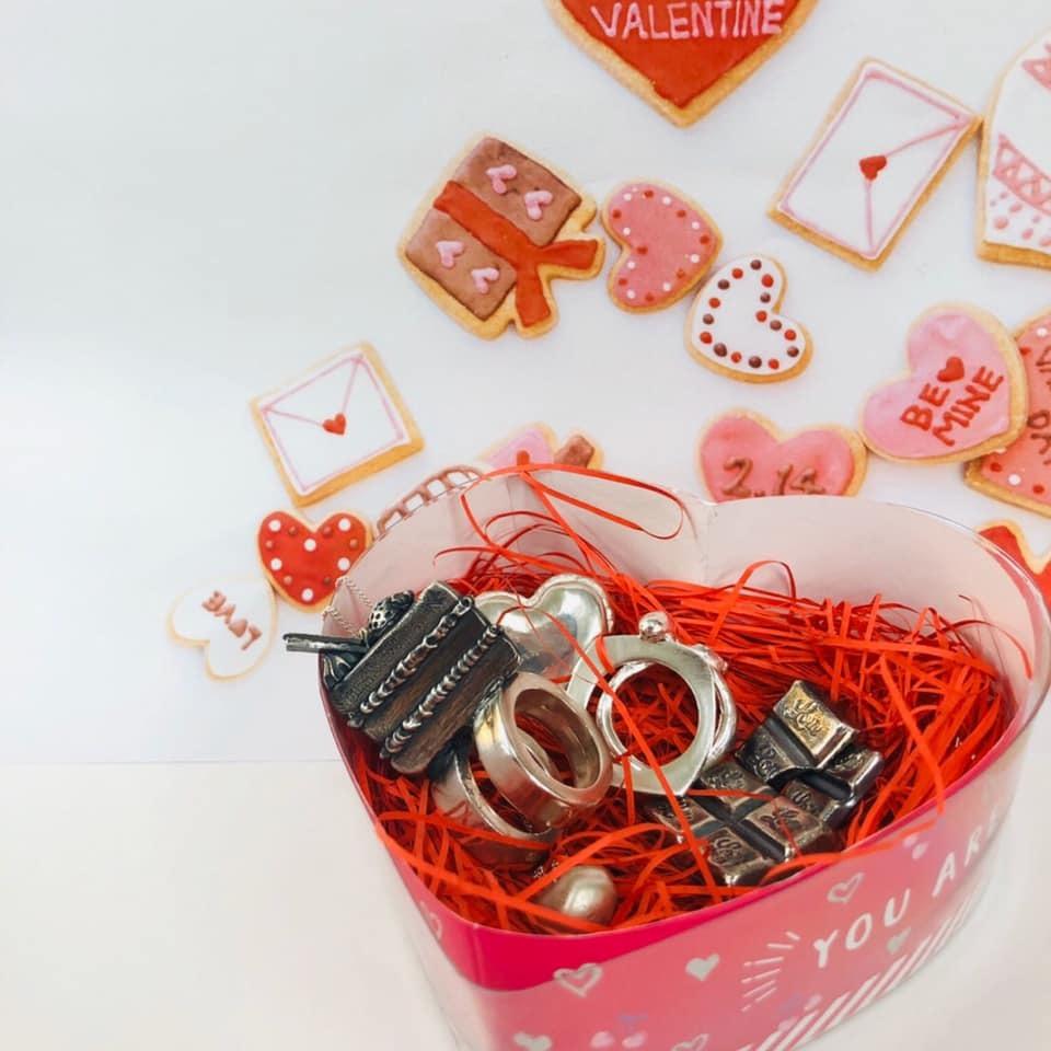 1月のスタッフ作品 バレンタインデーをさきどりしました_f0181217_16213351.jpg