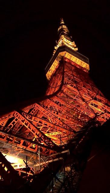夜の東京タワーを下から撮影。「STREAM X」レビュー_c0060143_13570990.jpg