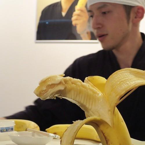 バナナ彫刻師の山田先生の匠の技がすごかった_c0060143_18590282.jpg