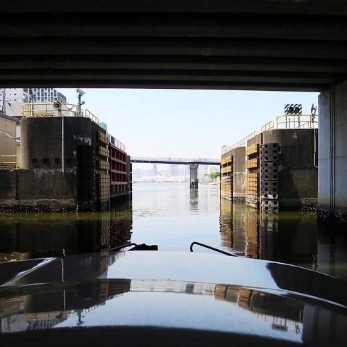 東京湾と隅田川を操船しながらクルージング_c0060143_19272357.jpg