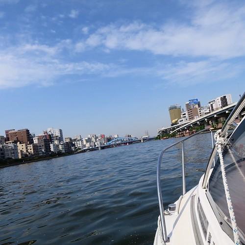 東京湾と隅田川を操船しながらクルージング_c0060143_19272359.jpg