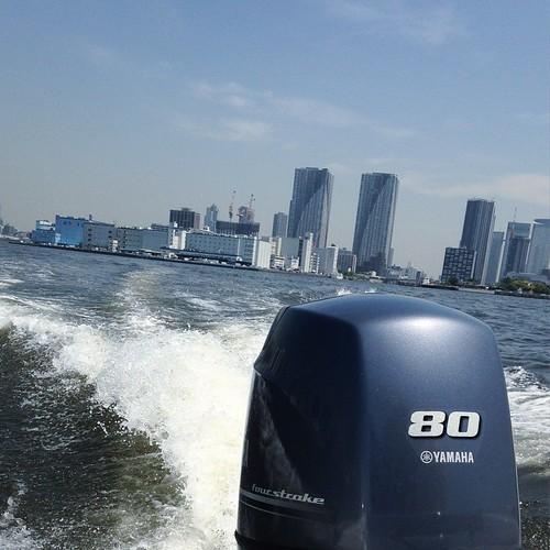東京湾と隅田川を操船しながらクルージング_c0060143_19272397.jpg