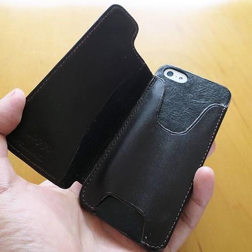 【PR】JOGGOのiPhoneケースを使ってみて「革は良いなー」と_c0060143_21530715.jpg