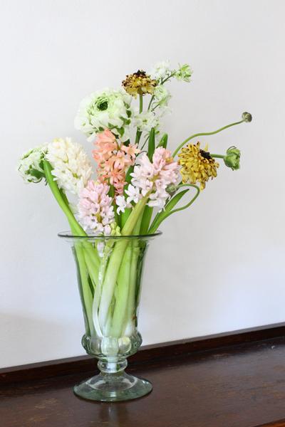 口絵撮影で頂いた花を生けました_e0333647_14480737.jpg