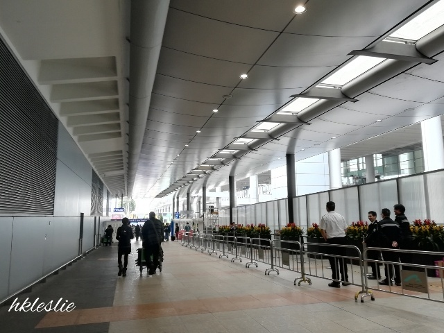 香港國際機場到着_b0248150_13421162.jpg