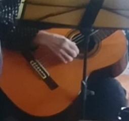 """明日は""""ギターの時間""""_a0111166_22223992.jpg"""
