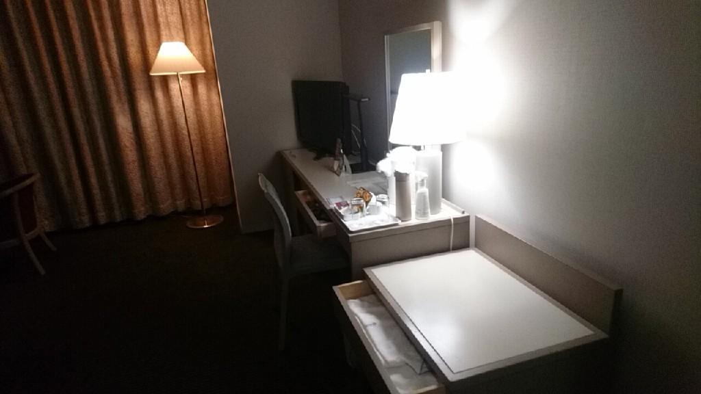 ホテル青森のツインルーム_b0106766_20490674.jpg