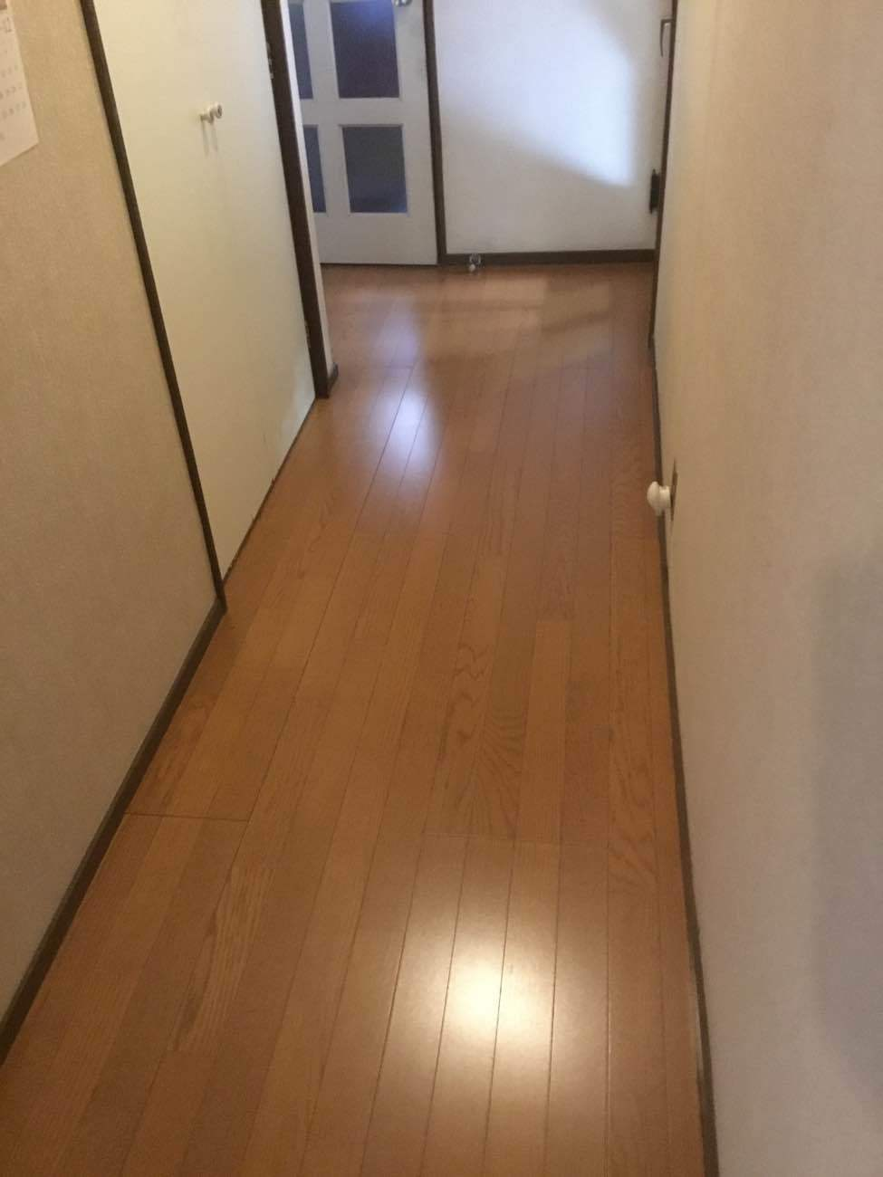 床 フローリング張り_e0190287_14464738.jpg