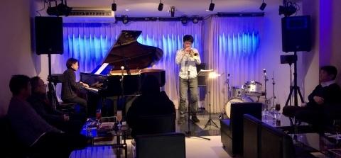 広島 Jazzlive Comin ジャズライブカミン  二月のライブスケジュール_b0115606_11575860.jpeg