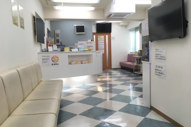 待合室の床_b0377610_08521002.jpg