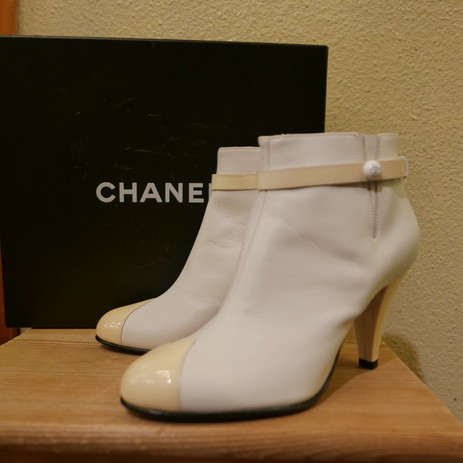 Chanel booty_f0144612_05183841.jpg