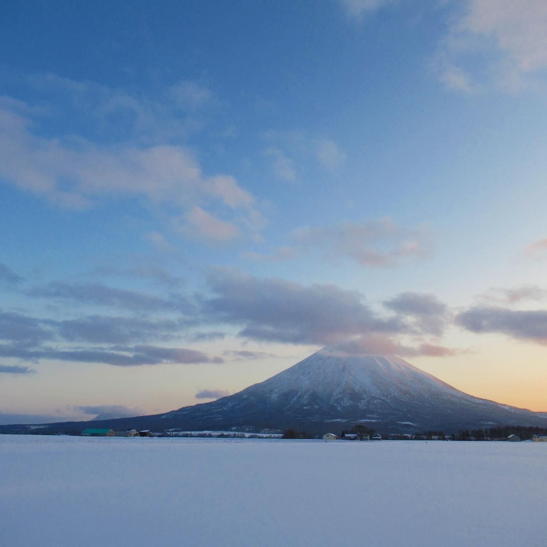 積雪の少ない羊蹄山_a0071514_18595687.jpg