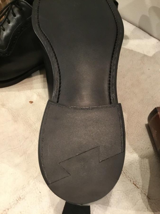 老舗英国靴メーカー「GRENSON(グレンソン」をオールソールしました_f0283816_17032885.jpg