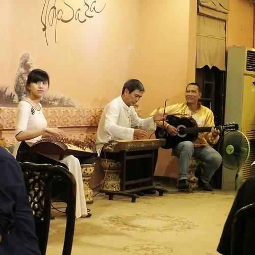 ベトナム ダナンにあるフュージョン料理のお勧めの店「APSARA」_c0060143_18444609.jpg