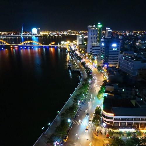 ベトナム滞在最後の夜はルーフトップでBBQディナー_c0060143_18511599.jpg