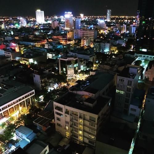 ベトナム滞在最後の夜はルーフトップでBBQディナー_c0060143_18511693.jpg