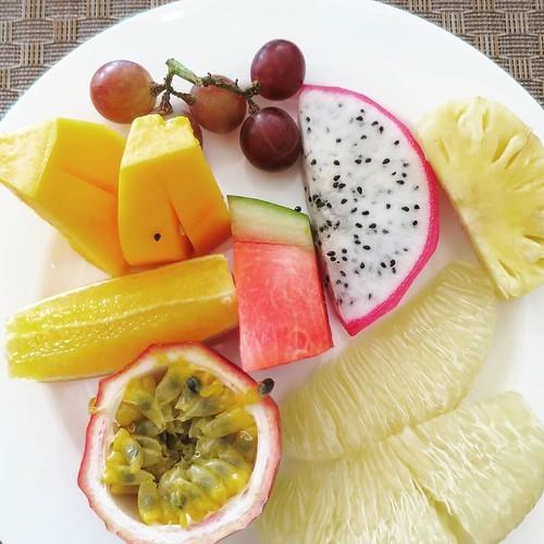 朝食ビュッフェはリゾートの必須定番_c0060143_18541471.jpg
