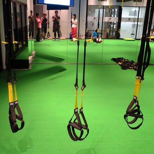 【PR】 みんなでやるから楽しい、「タイカンズ」の体幹トレーニング_c0060143_21123517.jpg