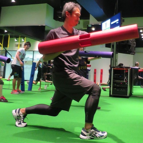 【PR】 みんなでやるから楽しい、「タイカンズ」の体幹トレーニング_c0060143_21123618.jpg
