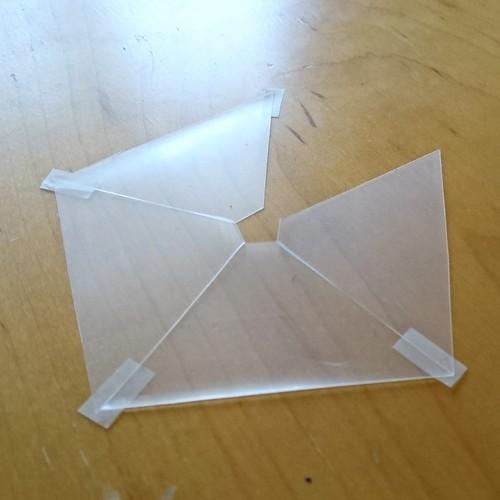 3Dホログラムっぽいやつをクリアファイルでつくってみた_c0060143_22104796.jpg