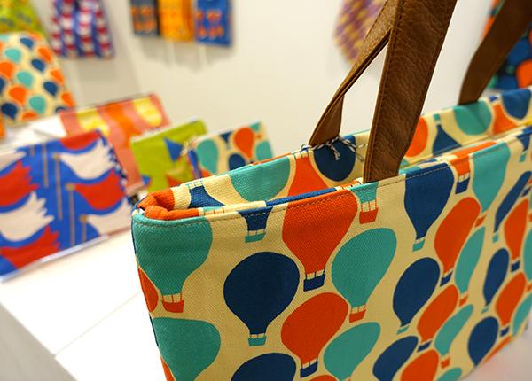 明日2/2(日)まで!【Kayoko Kawata「Spring breeze」Zakuro original print textile展】_a0017350_08140832.jpg