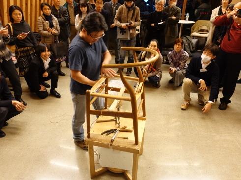 【講演レポート】 坂本茂氏 『Yチェアのペーパーコード張り実演を通して、Yチェアを知る』_b0149621_18080681.jpg