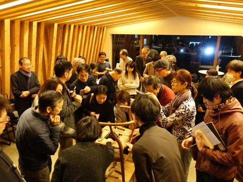 【講演レポート】 坂本茂氏 『Yチェアのペーパーコード張り実演を通して、Yチェアを知る』_b0149621_18120201.jpg