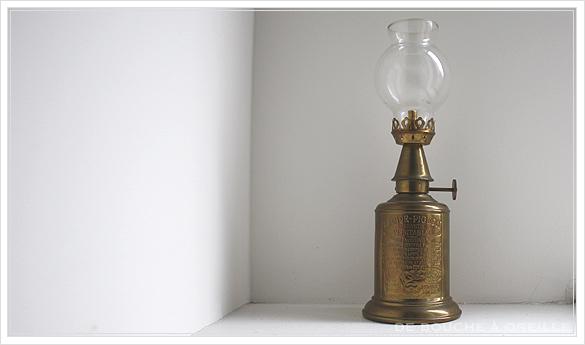 "lampe a essence \""PIGEON\"" 古いオイルランプ ピジョン フランスアンティーク_d0184921_14315846.jpg"