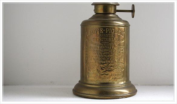 "lampe a essence \""PIGEON\"" 古いオイルランプ ピジョン フランスアンティーク_d0184921_14383694.jpg"