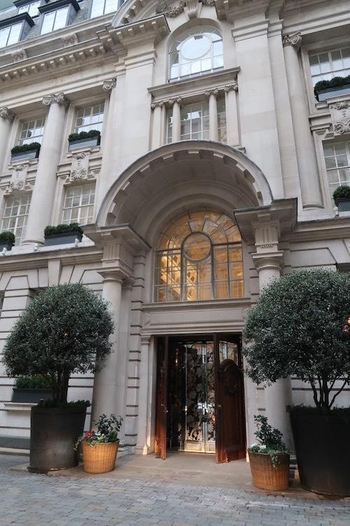ベストコンテンポラリーアフタヌーンティーに輝いたRosewood Hotel で_f0380234_00184122.jpeg