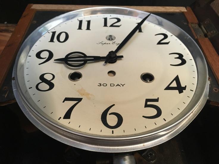 大きくない、のっぽでもない、古時計。_d0386342_09191876.jpg