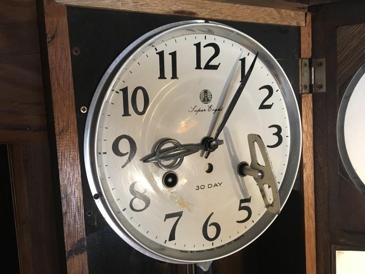 大きくない、のっぽでもない、古時計。_d0386342_09254123.jpg