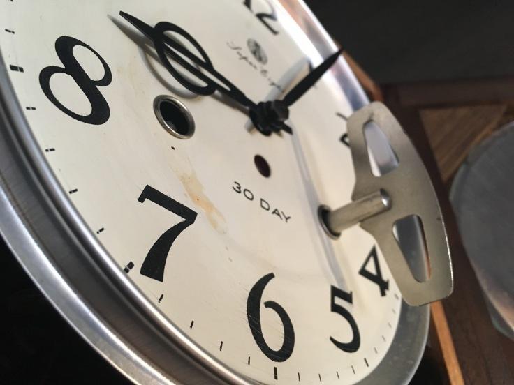 大きくない、のっぽでもない、古時計。_d0386342_09255290.jpg
