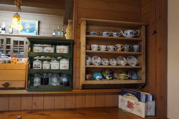 コーヒーカップ棚_e0365880_16481080.jpg