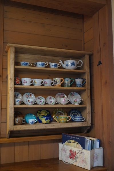 コーヒーカップ棚_e0365880_16482386.jpg