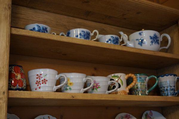 コーヒーカップ棚_e0365880_16485128.jpg