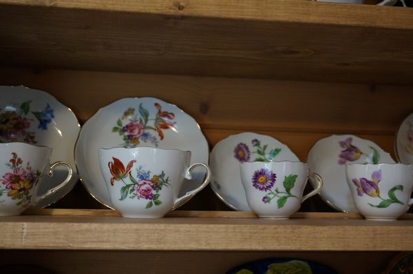 コーヒーカップ棚_e0365880_16504144.jpg