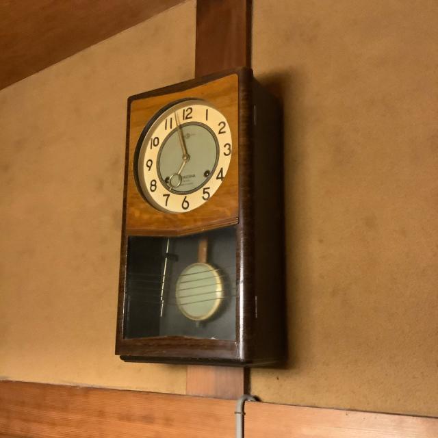 昭和30年代の古い柱時計を昭和30年代の古い家の柱に設置。_a0334793_22544771.jpg