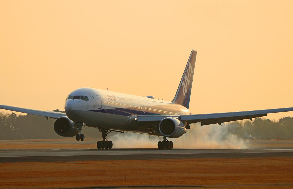 昨日の阿蘇熊本飛行場。_b0044115_04372825.jpg