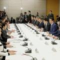 検査を受けさせない日本政府 - 感染者数をコントロールする「水際対策」_c0315619_15080264.png