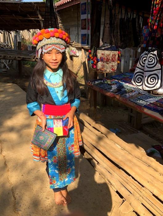 ラオスの旅 22  少数民族 モン族の村へ_a0092659_11443987.jpg