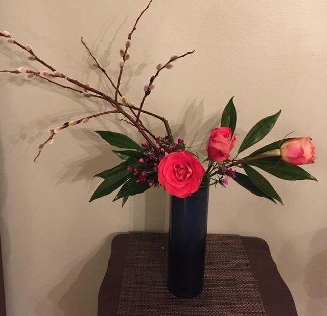 庭に咲く草花で生け花の練習ーネコヤナギ、ハナナシ等々_e0350971_06075450.jpg