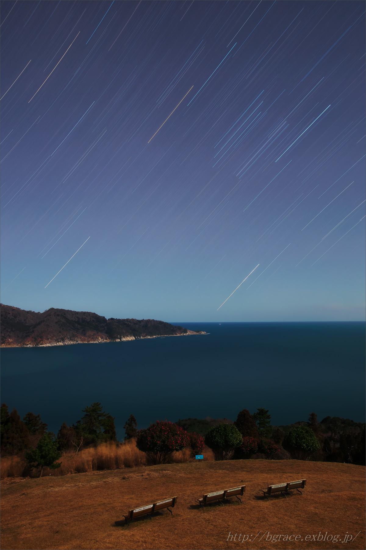 長時間露光の星々/ 月光浴_b0191074_20110479.jpg