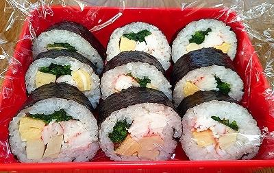我が家は細めの巻き寿司です_e0289203_10043547.jpg