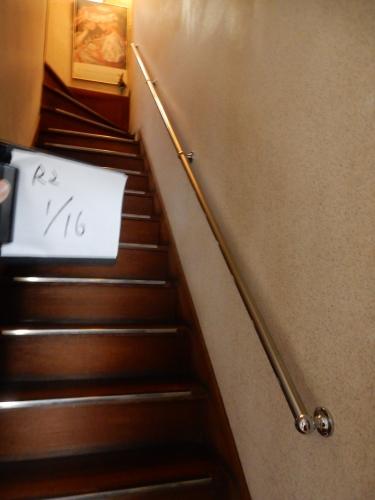 階段手摺取付_d0130212_15030903.jpg